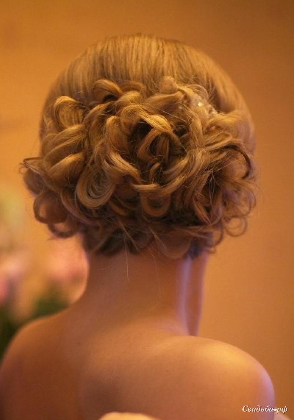 Прически из волос до плеча фото